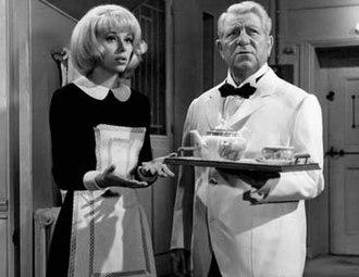 Monsieur (1964 film) - Mireille Darc and Jean Gabin