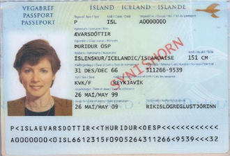 Icelandic passport - The biodata page of the previous machine readable version