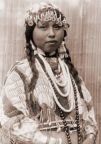 Wasco-Wishram - Wishram woman in bridal garb, 1910. Photo by Edward Curtis