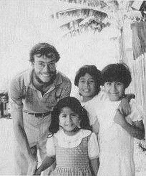 Ben Linder - Linder with Nicaraguan children