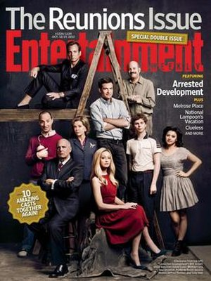 Arrested Development (season 4) - Entertainment Weekly cover featuring the reunion of the entire cast.