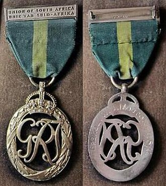 "Efficiency Decoration - First King George VI version with a bilingual ""UNION OF SOUTH AFRICA"" ""UNIE VAN SUIDAFRIKA"" bar-brooch"