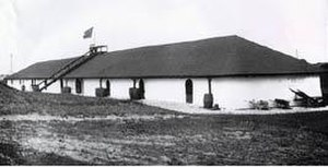 Fort Hamilton Historic District - Image: Fort Hamilton Newport Rhode Island