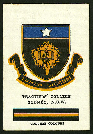 Sydney Teachers' College - Cigarette card featuring the Sydney Teachers' College's crest and colours, circa 1920s