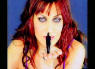 To Kati - Katy in music video To Kati