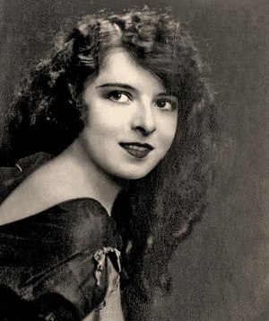 Colleen Moore - 1921 portrait