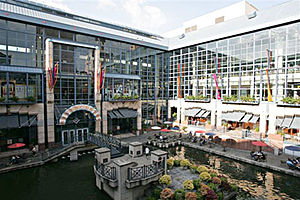 Shops at Rivercenter - Image: Rivercenter
