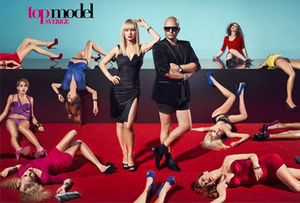 Top Model Sverige (cycle 2) - Promotial photograph of the cast of cycle 2 of Top Model Sverige