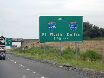 Signage for northbound I-35 motorists as the highway prepares to split near Hillsboro. Interstate35SplitHillsboro1.JPG
