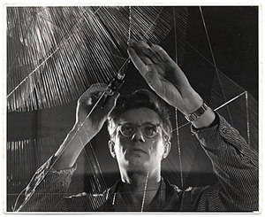 Richard Lippold - Lippold working on a sculpture, circa 1950