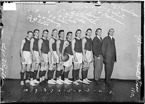 "1910–11 Illinois Fighting Illini men's basketball team - ""1910-11 Fighting Illini team"""