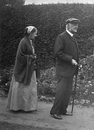 Henrietta Litchfield - Henrietta Litchfield with her brother William Erasmus Darwin