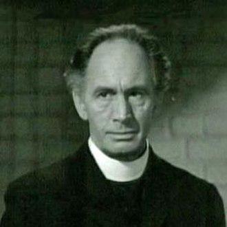 Leonard Mudie - Mudie as the priest in Rage in Heaven (1941)