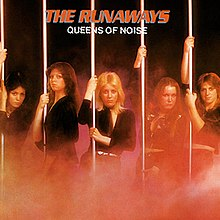 The runaways, queens of noise.JPG