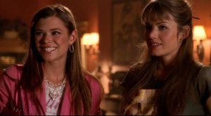 Lucy Lane - Lucy and Lois in Smallville.