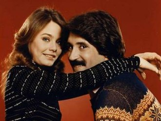 Loves Me, Loves Me Not (TV series) - Promotional photo for Loves Me, Loves Me Not, showing Susan Dey as Jane Benson and Kenneth Gilman as Dick Phillips.