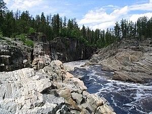 Missinaibi River - Thunderhouse Falls