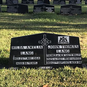 Jack Lang (Australian politician) - Grave of Jack and Hilda Lang at Rookwood Cemetery.