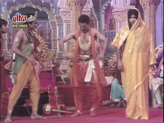 Jaane Bhi Do Yaaro - Image: Jaane Bhi Do Yaaro 1983 Draupadi Cheer Haran Scene