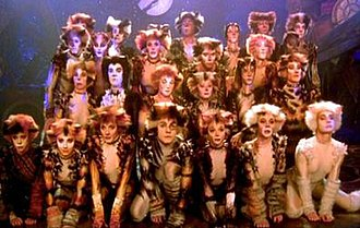 Carbucketty - Cast of the filmed version of Cats. Pouncival centre front row