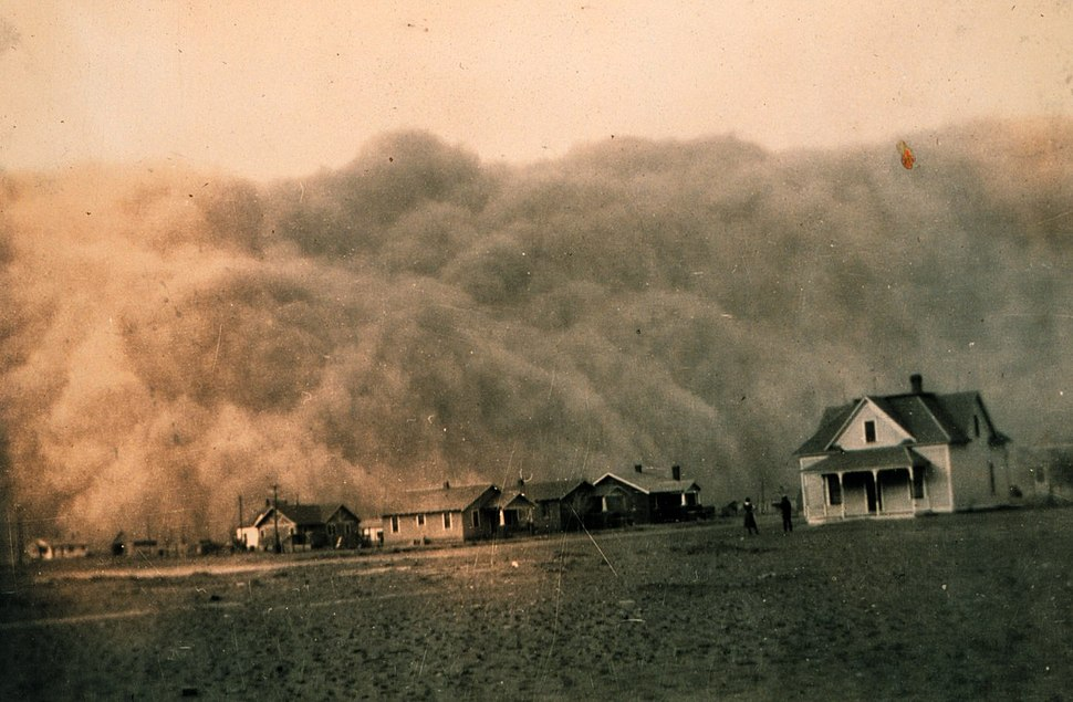 Dust storm approaching Stratford, Texas 1935