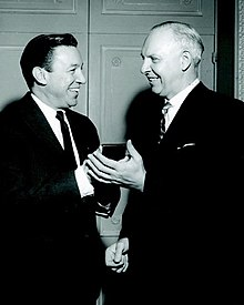 Mike Wallace presented with a Peabody Award for Biography in 1962