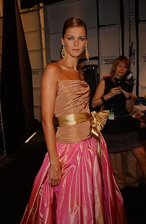 Carmen Kass - Kass backstage at a Bill Blass fashion show in 2003
