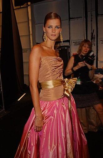 Carmen Kass - Kass backstage at a Bill Blass fashion show in 2003