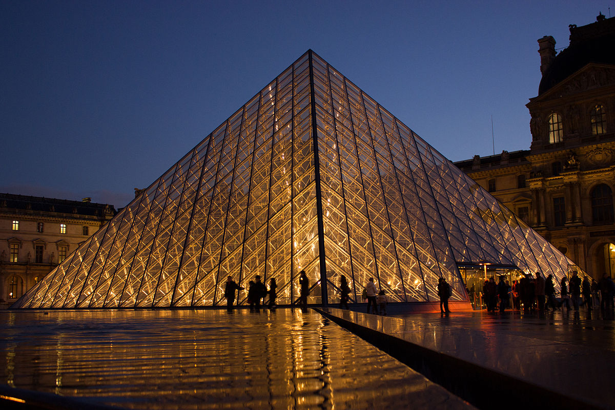 Building A Life : Louvre pyramid wikipedia