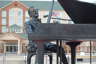 Ray Charles - Statue by Andy Davis in Ray Charles Plaza in Albany, Georgia