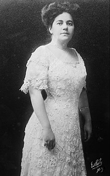 Renee Wallach Harris 1913.jpg