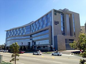 Torrance Memorial Medical Center - The Torrance Memorial Medical Center's Melanie and Richard Lundquist Tower which opened in 2015.