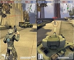 Warhawk (2007 video game) - Multiplayer mode showing a Eucadian tank targeting a Chernovan soldier via split screen.