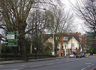 Dulwich - The Grove Tavern, public house, located on the busy South Circular road