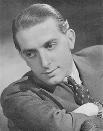 Richard Warner (actor) - 1939 Spotlight photo by Angus McBean
