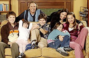 Life with Derek - The McDonald-Venturi family (left-to-right), Derek, Marti, George, Edwin, Lizzie, Nora, and Casey.