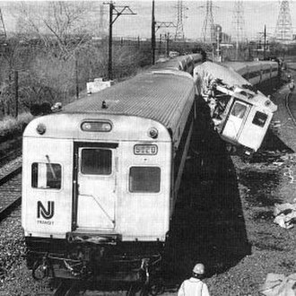 1996 Secaucus train collision - The accident looking north