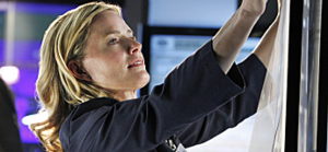 Julie Finlay - Elisabeth Shue as Finlay during season 12