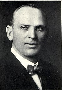 Thomas Hall, R-ND (1869-1958).jpg
