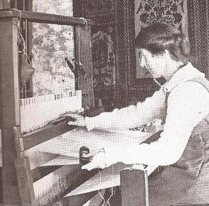 Ethel Mairet - Image: Ethel Mairet Hand Weaver
