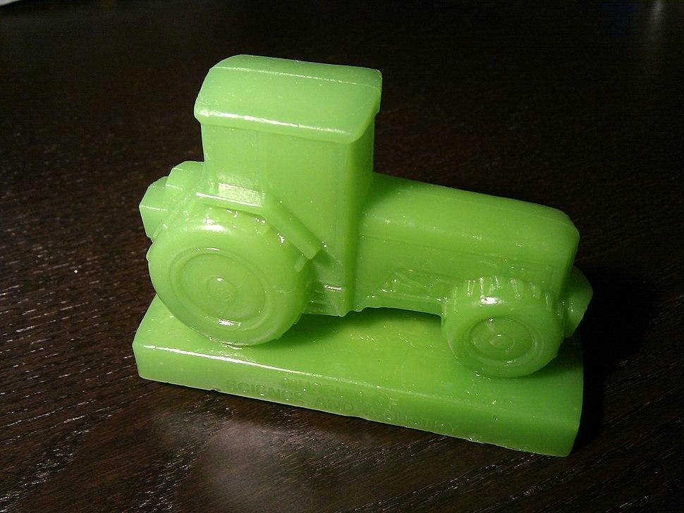 Mold-A-Rama tractor