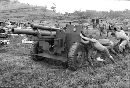 Australian artillery during Operation Paddington July 1967 (AWM COL670548VN)