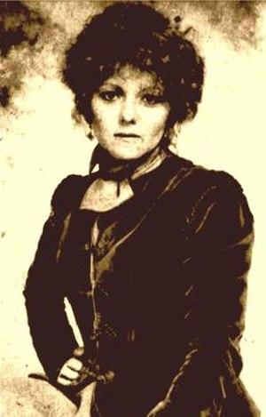 Sara (1976 TV series) - Brenda Vaccaro as Sara Yarnell