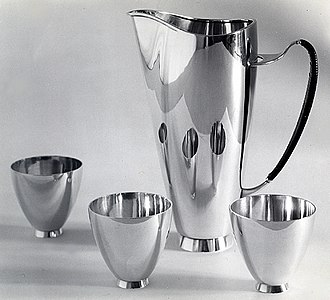 John Prip - Amorphic martini pitcher with serving cups
