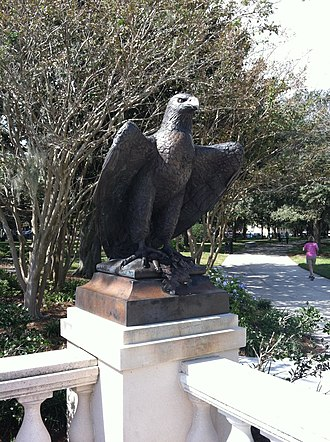 Memorial Park (Jacksonville) - New bronze eagle sculptures