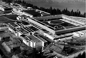 Simon Fraser University - The newly constructed university in 1967, with the Academic Quadrangle as a centre of the campus