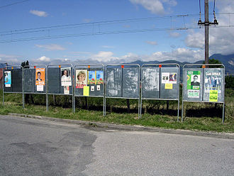 2007 French legislative election - Electoral posters for the first round