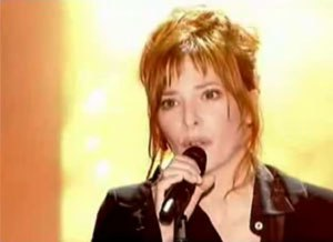 "Redonne-moi - Mylène Farmer performing ""Redonne-moi"" in Symphonic Show."