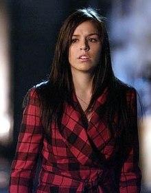http://upload.wikimedia.org/wikipedia/en/thumb/4/49/Smallville_Speedy.jpg/220px-Smallville_Speedy.jpg