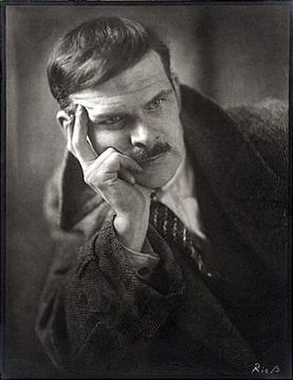 Alexander Archipenko - Archipenko around 1920 (photograph by Atelier Riess)